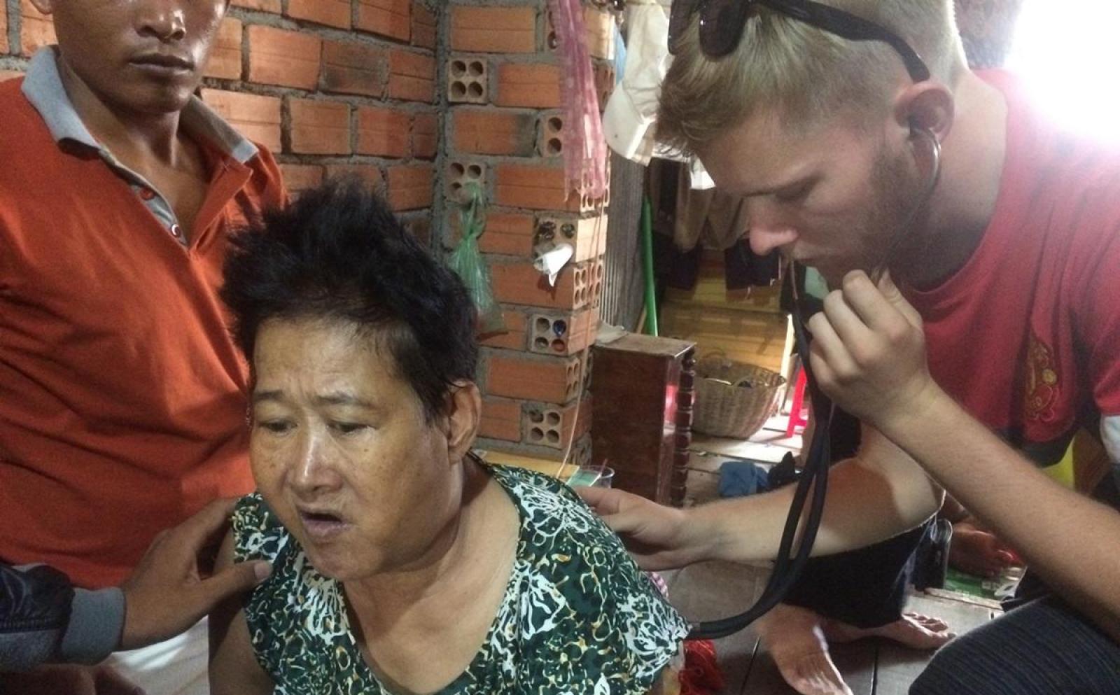 Folkesundhed i Cambodja af Casper P